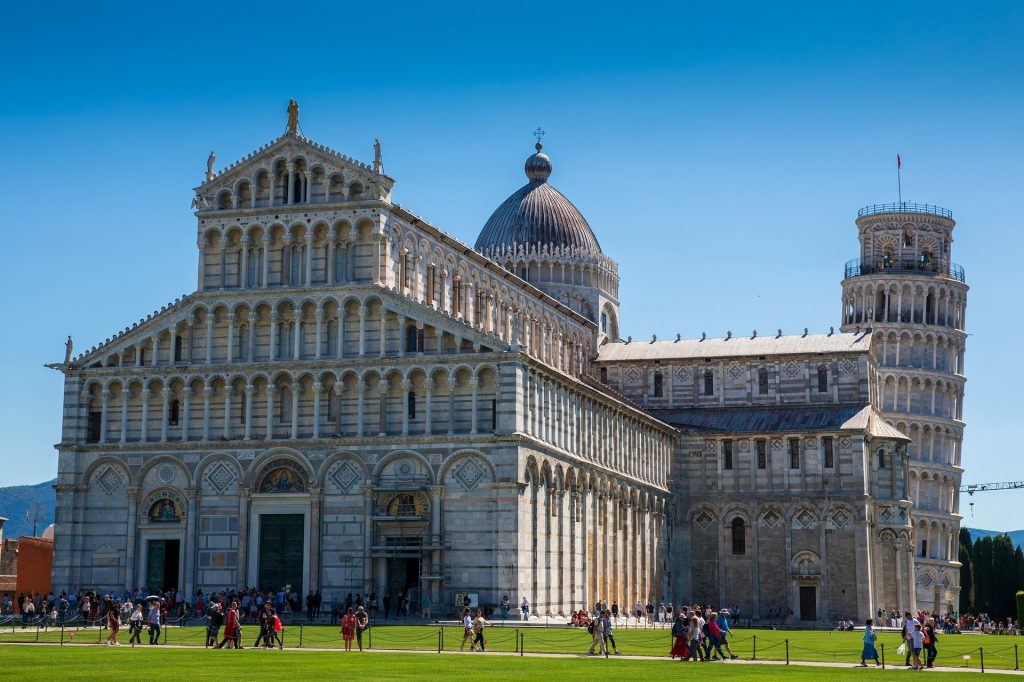 Pisa and its leaning tower: a wonderful place to see in Italy